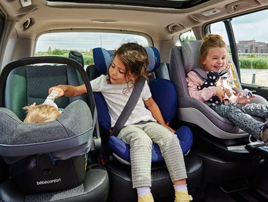 bosotn car service with child seat